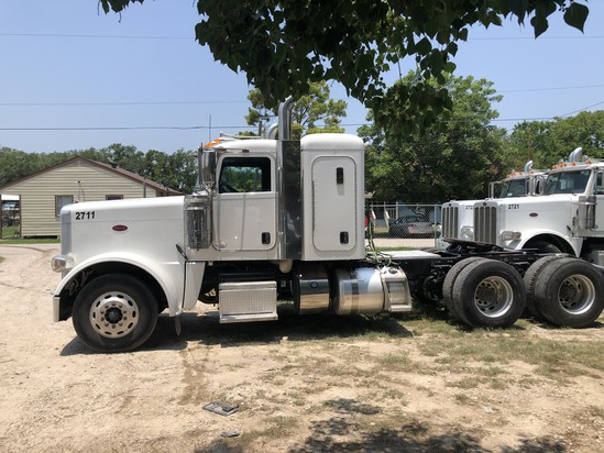 2017 Peterbilt 389 Series. Vin: 1XPXD49X5HD433407. Mileage as of 06/19: 282,940. Sold w/ title.