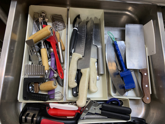 Assorted knife and Utensils