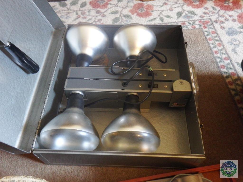 Lot: Vintage 8mm Film Editor & Photoflood Reflector Lamp