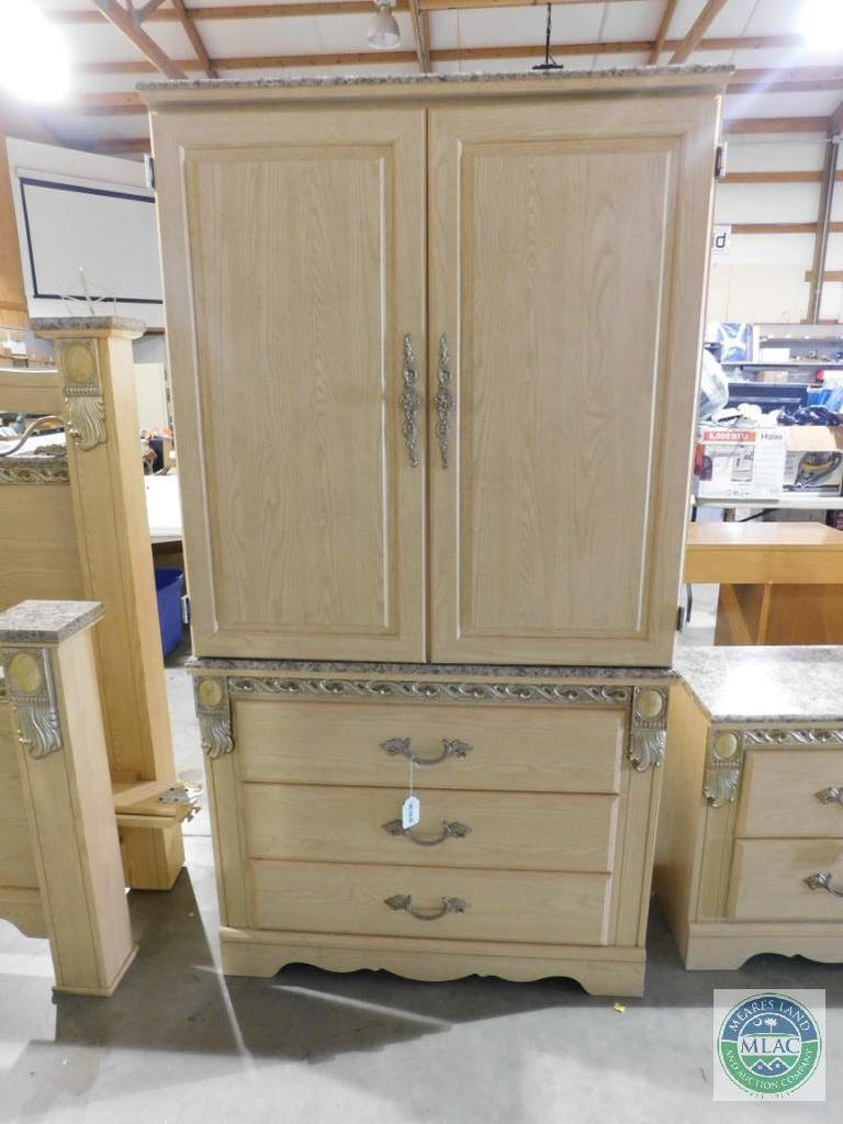 Ashley Furniture Armoire Wardr Auctions Proxibid