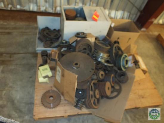 Lot of Gear Pulleys & Sprockets