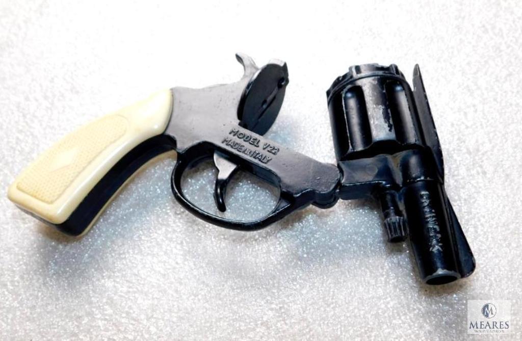 Lot: Volcanic V22 Revolver Blank Firing Revolver Made in Italy