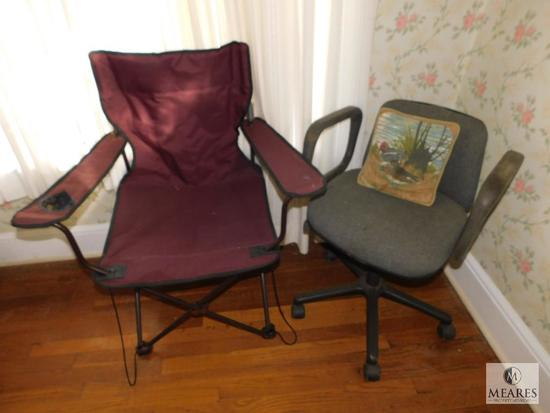 Lot 2 Chairs - 1 Folding Camping Chair & 1 Swivel Office Chair