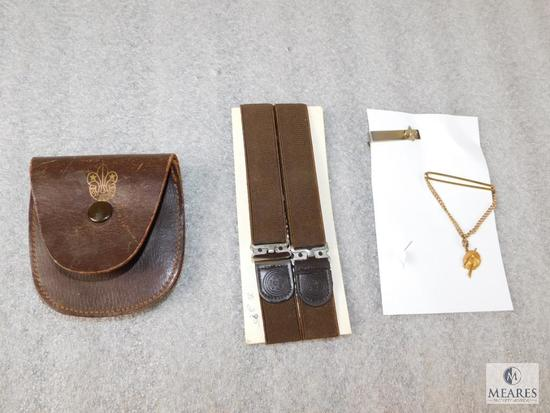 Lot Vintage Garters Like New, Canada Leather Coin Purse, & 50's Explorer Tie Bar & Chain