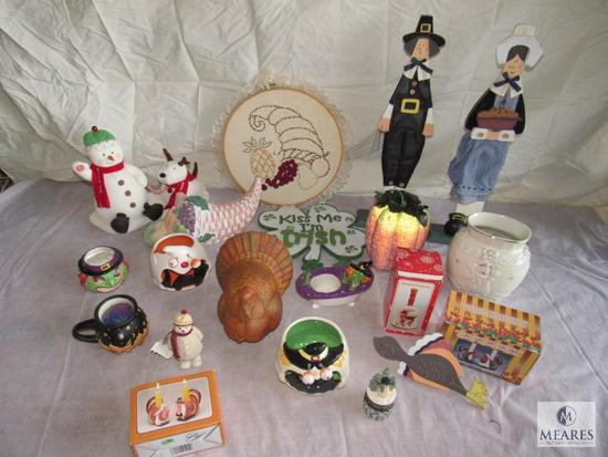 Lot of Assorted items Holiday Decorations; Thanksgiving , Christmas, Halloween decorative items etc.