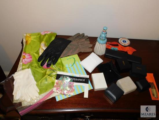 Lot Jewelry boxes and Vintage ladies gloves