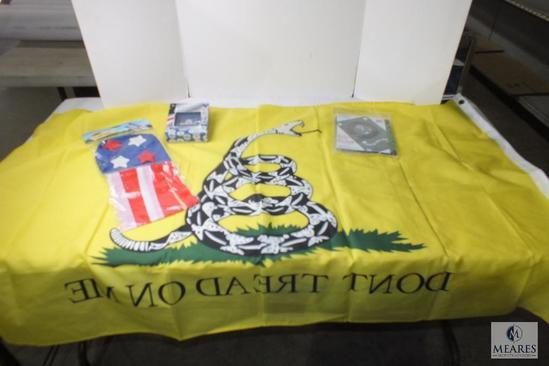 Lot American flag & keychain, Army & Marine Don't Tread on Me flags