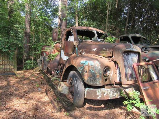 Old Mack Truck - For Parts or Scrap