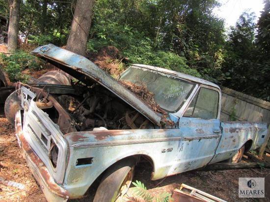 1969 Chevrolet Chevy C/10 Truck long bed for Parts or scrap