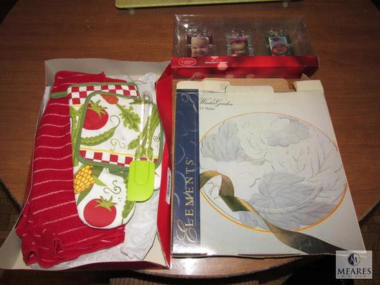Lot New Christmas Picture Frames, Dish Towels, and Glass Platter