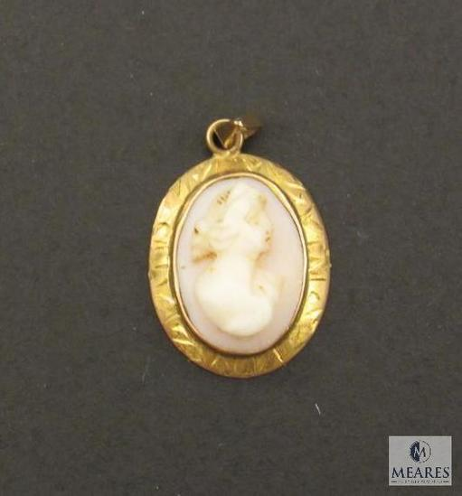 Yellow Gold Cameo Charm Pendant marked 10K
