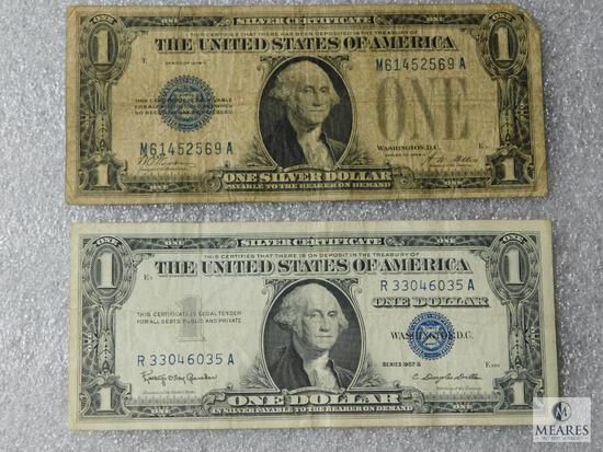 Lot of 2 - US $1 small size silver certificates