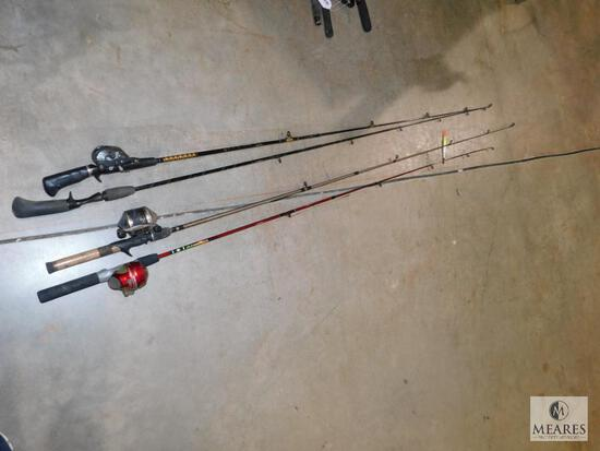 Lot of 3 Fishing Reels & 4 Rods Daiwa, Zebco 33 & Zebco Slingshot