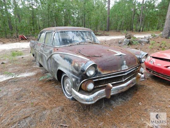 1955 Ford Fairlane Town Sedan - VIN: U5NT180972