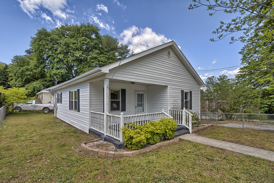 Real Estate - 2/1 Bungalow - Easley SC