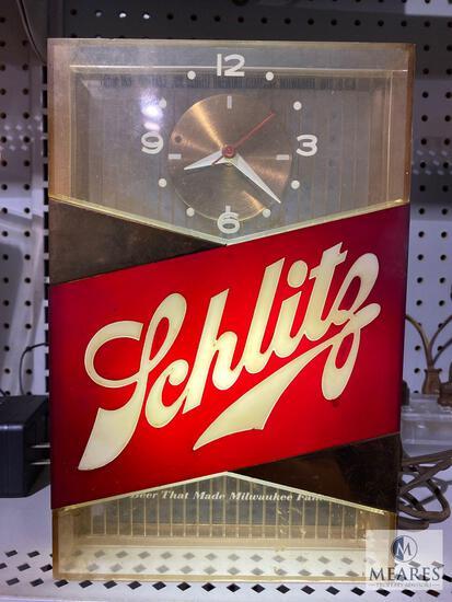 Vintage Light Up Schlitz Clock