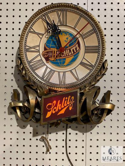 Vintage 1977 Schlitz Light Up Wall Clock