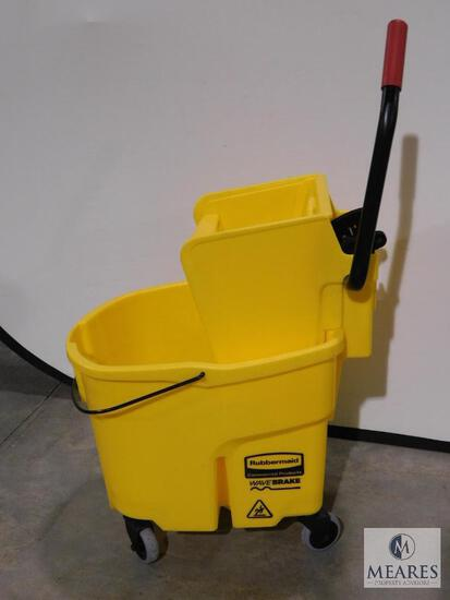 Rubbermaid Wave Brake Commercial Mop Bucket with Wringer