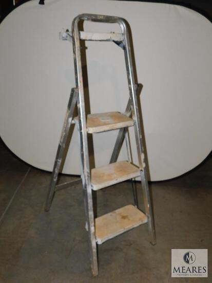 3' Aluminum A-Frame Step Ladder with Painters Shelf