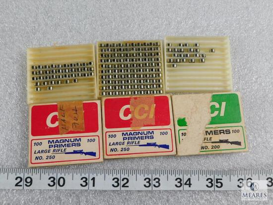 Lot approximately 138 CCI no. 250 Magnum Primers Large Rifle & 20 No.200 Rifle Primers