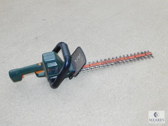 """Black & Decker HedgeHog 22"""" Electric Hedge Trimmer"""