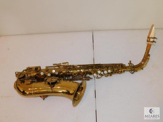 King HN White Brass Saxophone