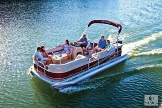 ENJOY A DAY ON LAKE HARTWELL WITH FAMILY OR FRIENDS WITH A FULL DAY'S BOAT RENTAL FROM CLEMSON