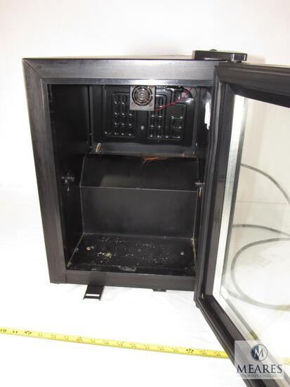 Kooltech SC-20 Mini Refrigerator - Operational