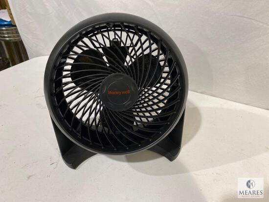 Honeywell Small Adjustable Speed and Elevation Fan
