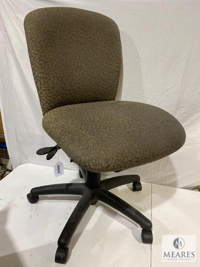 Rolling Adjustable Height Office Chair