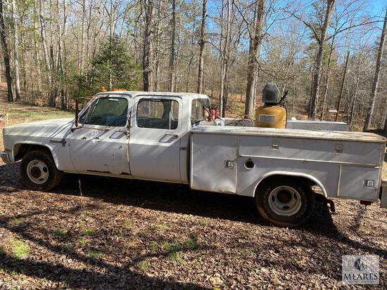 1988 Chevrolet Custom Deluxe R30 Pickup Truck, VIN # 1GBHR33K6JJ137760