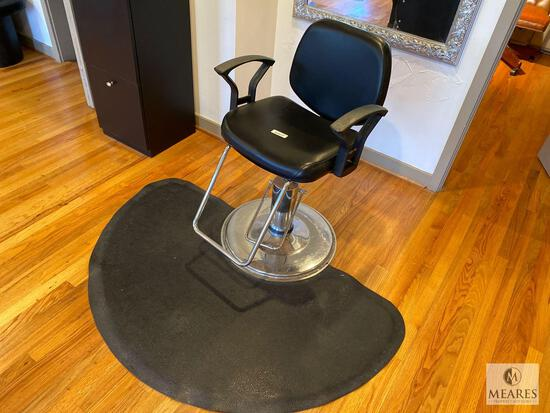 Hydraulic Salon/Barber Chair with Half Circle Anti-Fatigue Mat