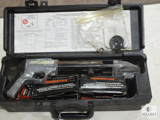 Remington #482 Powder Actuated Fastener Tool with Fasteners, Case & Accessories