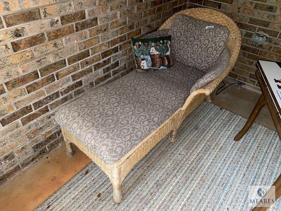 Indoor/Outdoor Wicker Chaise