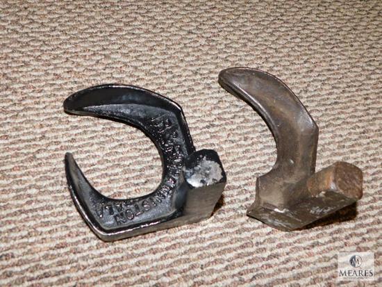 Lot 2 Vintage Cast Iron Shoe Cobbler Anvils
