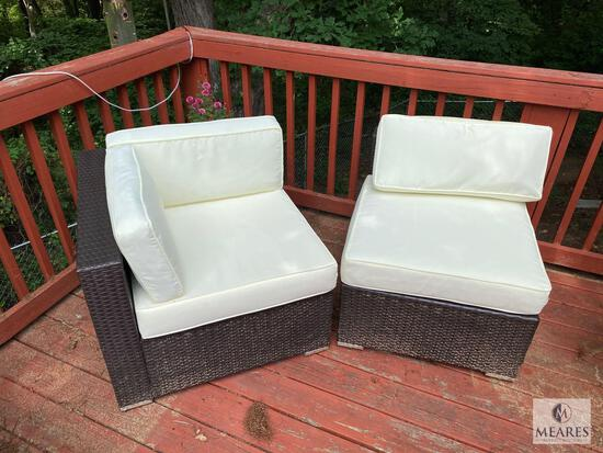 Two-piece Indoor-Outdoor Wicker Set with Cushions