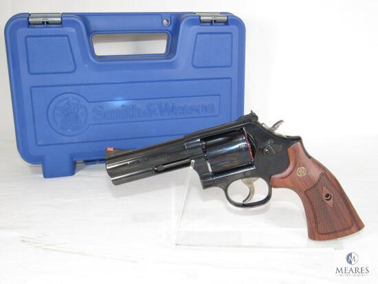 New Smith & Wesson 586-8 .357 Magnum Revolver
