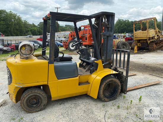 Caterpillar GP35K Forklift with Triple Boom and Side Shift