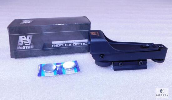 New NcStar Red Dot Reflex Sight With Weaver Mount. Great On Rifle, Pistol Or Shotgun