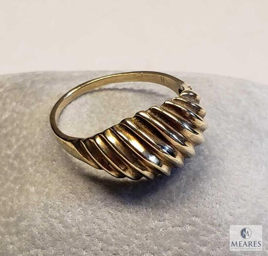 10KP Yellow Gold Twisted Dome Ring