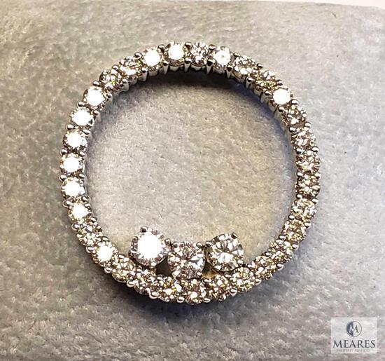 14KT White Gold Diamond Circle Pendant