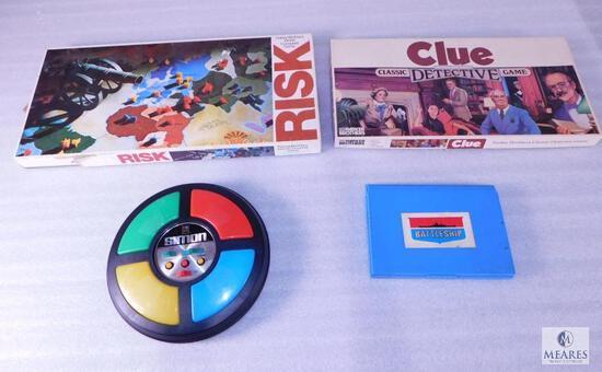 Lot of Vintage Games - Clue, Risk, Battleship & Simon