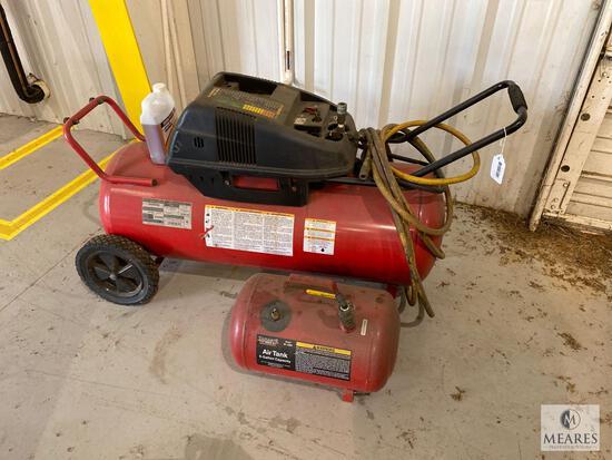 HUSKY Rolling 16-gallon Air Compressor - WL650703AJ