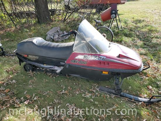 1989 Ski Doo Safari 340 Snowmobile