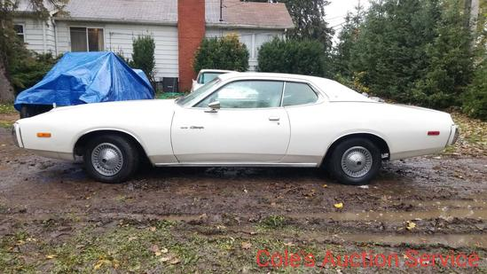 1973 Dodge Charger SE. In beautiful condition, runs and drives great! 318 V8 engine, automatic