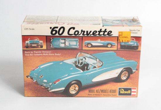 Revell 1960 Corvette Classic Sports Car #H-1203