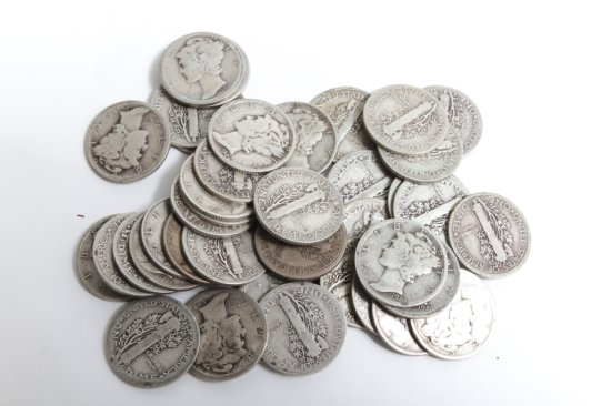 Lot of 40: circulated Mercury dimes, dates from 1916 to 1943