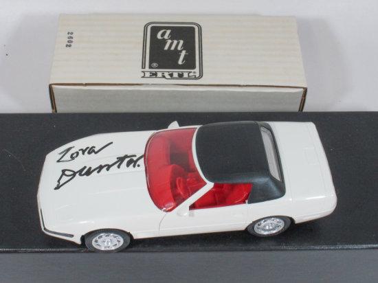 """AMT Ertl white 1992 Corvette Convertible 1/25 Scale Signed """"Zora Duntov"""""""