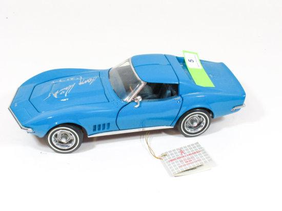 "Franklin Mint Precision Models blue 1968 Corvette 1:24 Ratio Die Cast Signed ""Larry Shinoda"" 1-24-94"