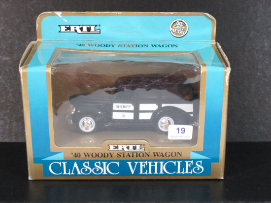 Ertl Classic Vehicles 1940 Woody Station Wagon 1:43 Scale